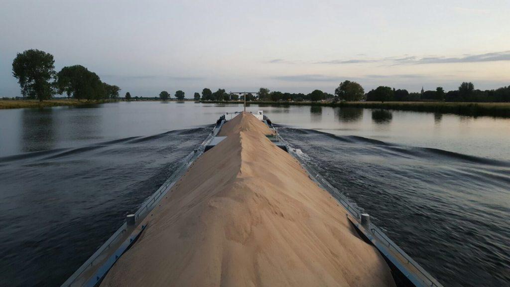Grondbank TOP-Schiedam aak met zand